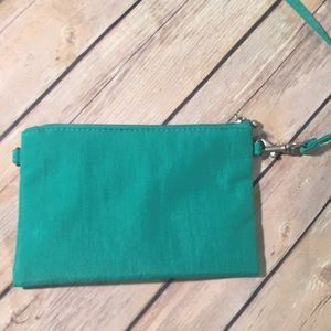 Baggallini Bags - Excellent condition Baggallini Crossbody bag